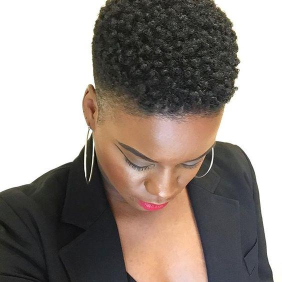 Short twist out style